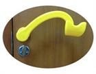 Применение специальных дверных ручек