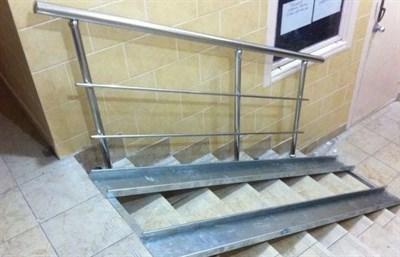 Пандус для инвалидов откидной из оцинкованной стали длиной до 2,5м - фото 5800