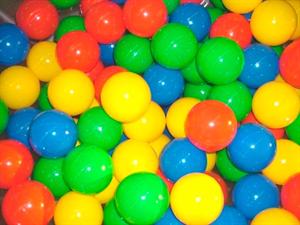 Цветной шарик для сухого бассейна (диаметр 7/8 см) ИА24629