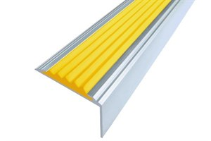 Алюминиевый угол с 1 резиновой вставкой, 100 см
