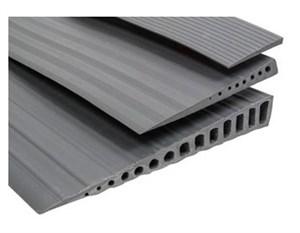 Пандус пороговый резиновый 900х10х100 мм (высота порога 10 мм)